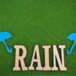 雨の日の通勤を快適にする三種の神器!|自転車・バイク乗りにおすすめのレインウェアをご紹介